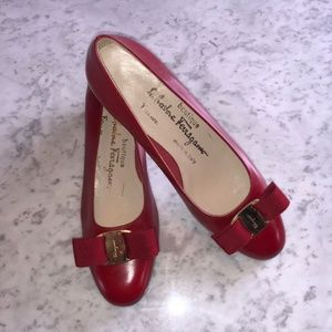 Salvatore Ferragamo Vintage Vara Leather Red Pumps